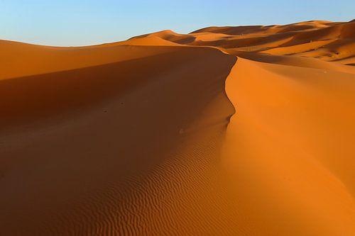 Goldenen Sanddünen des Erg Chebbi Wüste im Süden von Marokko