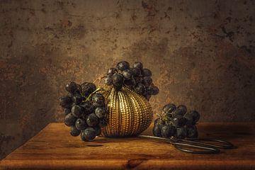 Stilleven  Sable druif van Monique van Velzen