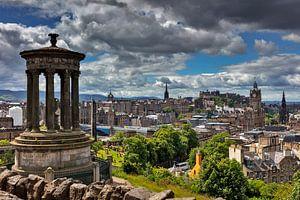 Blick vom Calton Hill auf die historische Altstadt von Edinburgh