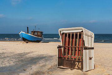 Blaues Fischerboot von Gunter Kirsch