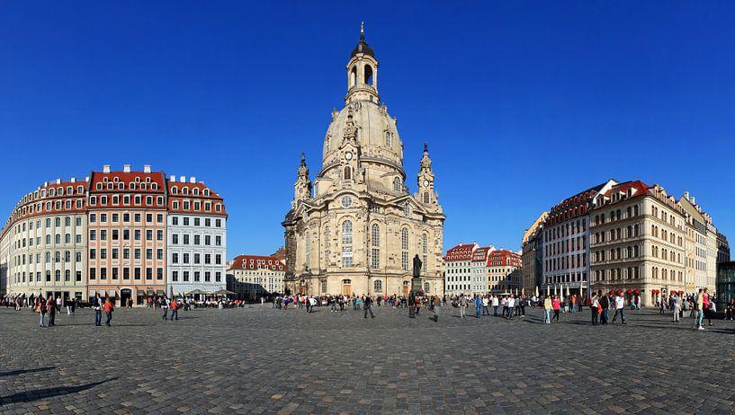 Dresden Neumarkt met Frauenkirche van Frank Herrmann