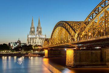 Köln am Abend #1 von Michael Valjak