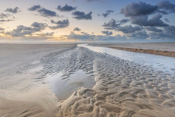 Zandstructuren Noordzeestrand Terschelling van Jurjen Veerman