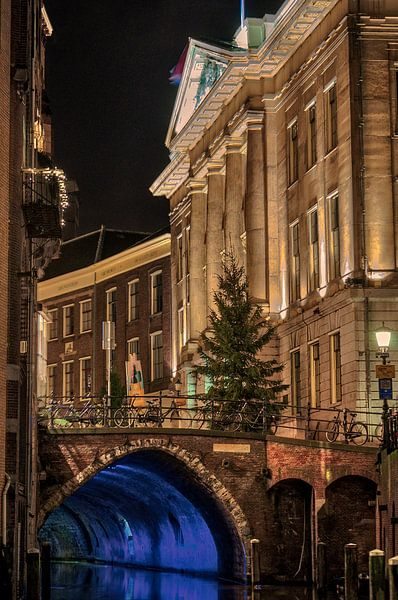 Stadhuis en Oude gracht, Utrecht van Robin Pics (verliefd op Utrecht)