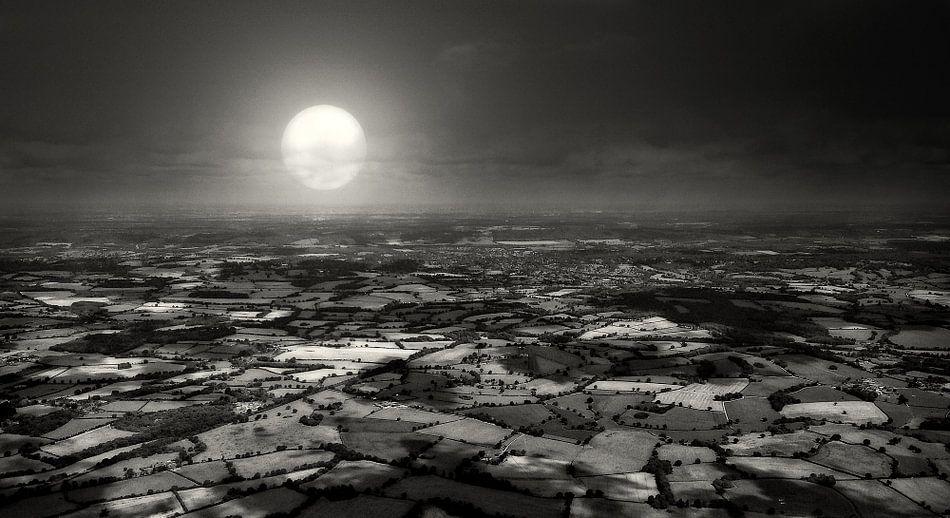 Engelse countryside bij maanlicht
