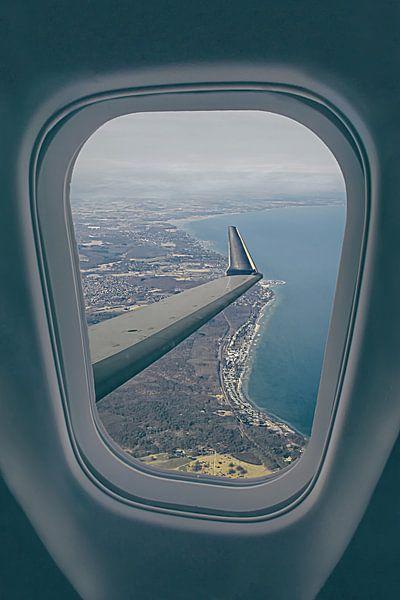 In het vliegtuig boven Kopenhagen van Elianne van Turennout