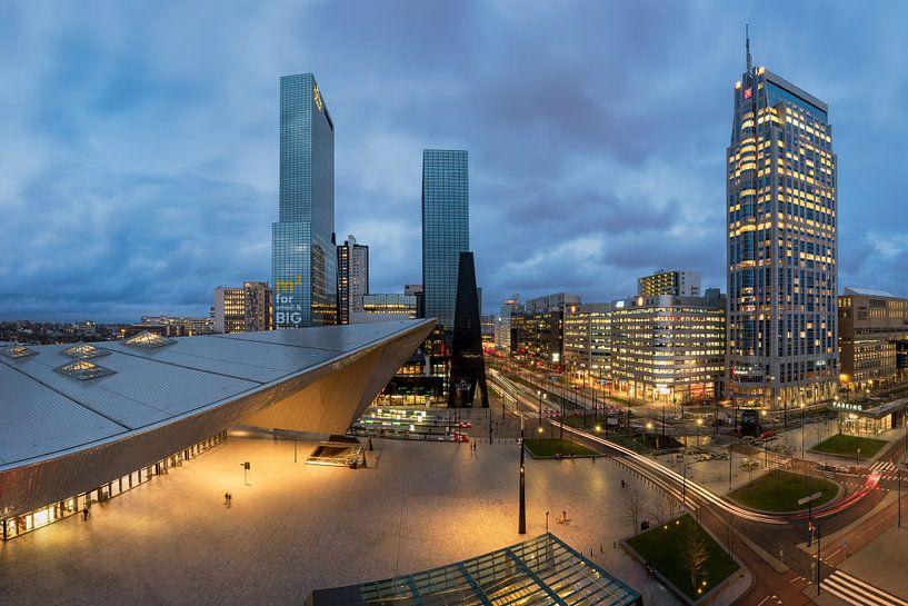 Rotterdam: Cityscape Stationsplein van Erik Brons
