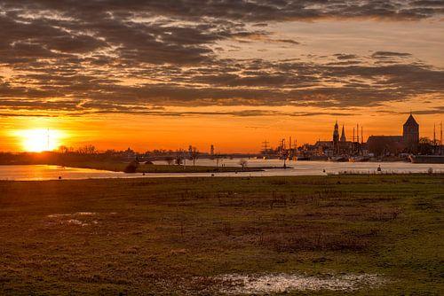 Stadsfront Kampen vanaf de Pijperstaart