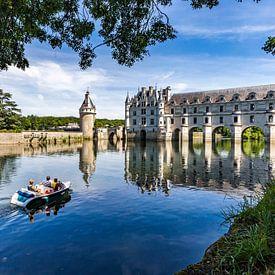 Bootje varen aan Château de Chenonceau van Easycopters