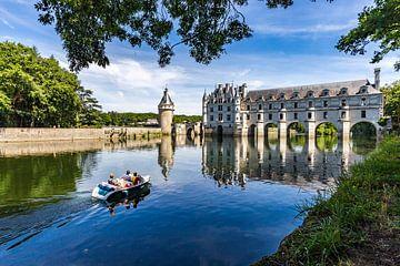 Bootje varen aan Château de Chenonceau van Koen Henderickx