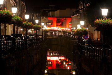 Plompetorengracht in Utrecht met aan het eind bioscoop Wolff City sur Donker Utrecht