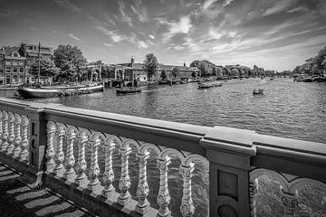 AMSTERDAM Zicht vanaf de Blauwbrug van Melanie Viola