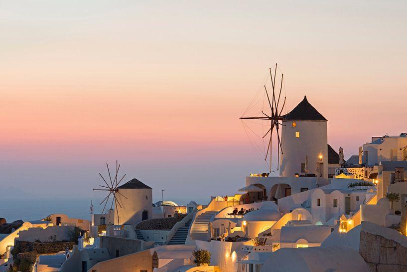 Zonsondergang bij Oia, Santorini van Barbara Brolsma
