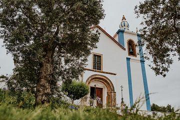 Kirche auf dem Hügel von FotoMariek