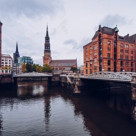 Hamburg – Speicherstadt / Katharinenkirche von Alexander Voss