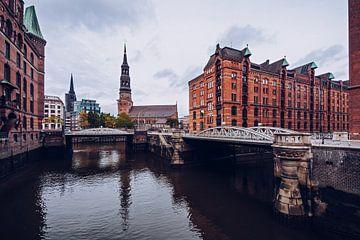 Hamburg – Speicherstadt / St. Catherine's Church sur Alexander Voss