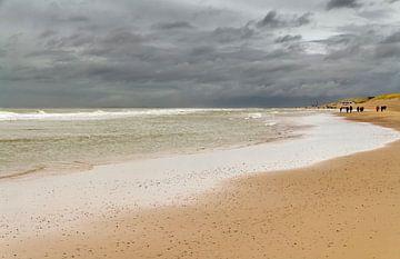 Stormachtig Noordzee Strand van Achim Prill