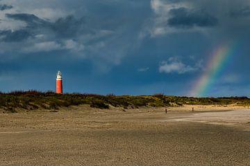 Regenboog op het strand van Texel van Dokra Fotografie