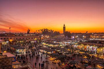 Place Jemaa El Fna in Marrakech, Marokko van Bert Beckers