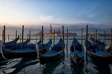 Goedemorgen Venetië!  van Frans Bouvy