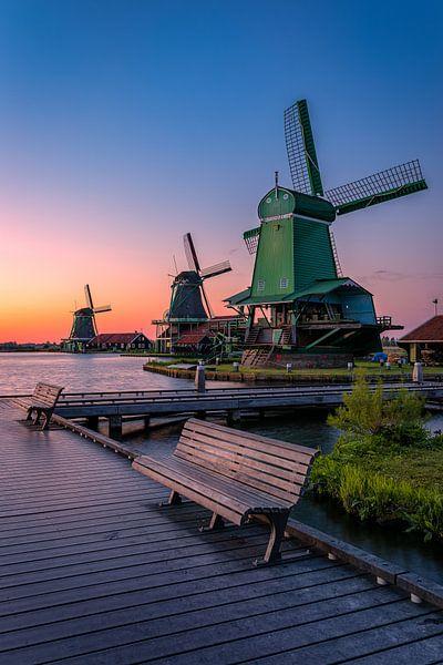 A view of windmills von Costas Ganasos