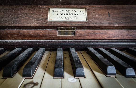 Piano close-up van Inge van den Brande