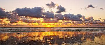 zonsondergang boven zee sur Dirk van Egmond