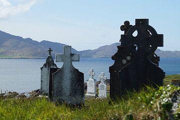 Kerkhof Kilcatherine op Beara Island  van Elfriede de Jonge Boeree