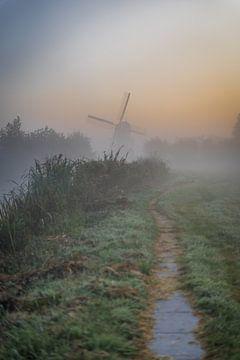 Oukoop-Mühle in der Morgendämmerung von Rossum-Fotografie