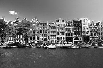 Amsterdam met zestiende eeuwse grachten panden aan prinsengracht van Arjan Groot