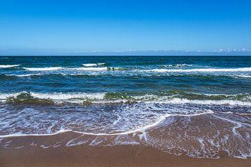 Wellen an der Küste der Ostsee bei Kühlungsborn von Rico Ködder