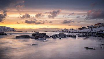 Zonsondergang, Lofoten, Noorwegen van Nico de Mooij