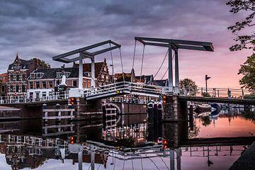 Die Grabsteinbrücke in Haarlem von Bart Veeken