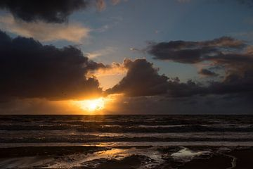Zonsondergang Texel Paal 17 van Waterpieper Fotografie