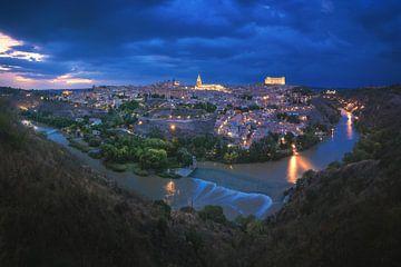 Panorama de la ville de Tolède la nuit sur Jean Claude Castor