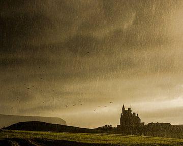 Schloss im Sturm von Hannon Queiroz