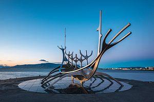 Het stilistische Vikingschip Sólfar van