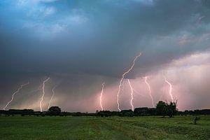 Starkes Gewitter mit Blitzeinschlägen