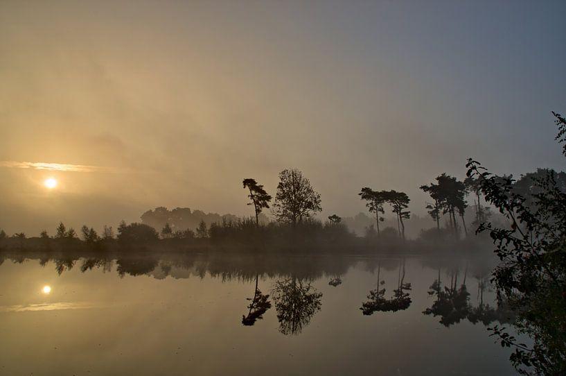 Zonsopkomst Vennengebied III Turnhout Belgie van Watze D. de Haan