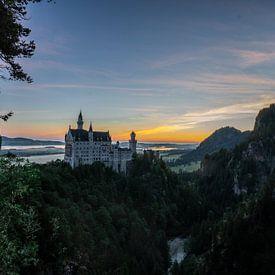 Schloß Neuschwanstein bei Sonnenaufgang von Tobias Reißbach