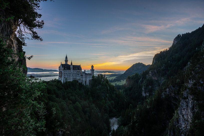 Kasteel Neuschwanstein bij zonsopgang van Tobias Reißbach
