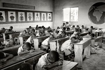 A morning ritual at school in Ghana von Fabienne Vansteenkiste