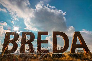 Breda letters op een zonnige dag