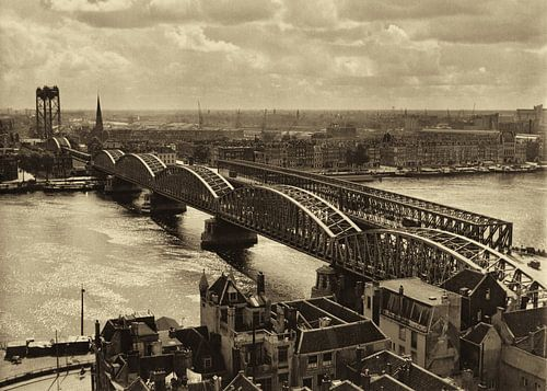 Oude Spoorbrug Rotterdam (1952) von Rob van der Teen