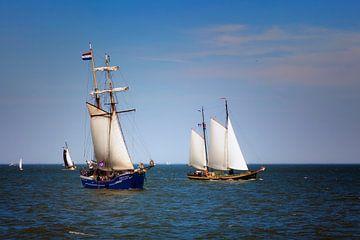 Zeilboten op het IJsselmeer van Jan van der Knaap