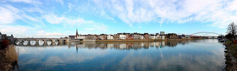 Panorama Skyline Maastricht van Pascal Lemlijn