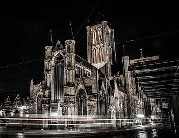 St Niklaaskerk bij nacht van