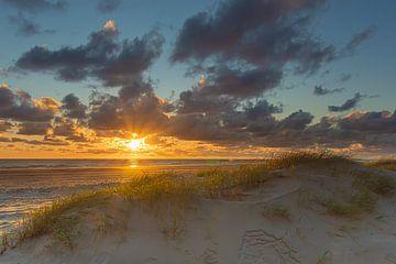 Zonsondergang Hargen aan Zee van Marcel Koomen
