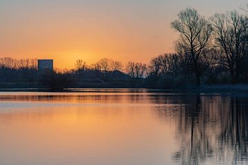réflexion sur le lac sur Tania Perneel