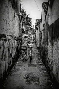 Een smal steegje in Hoi An - Vietnam